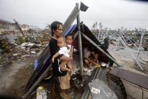 E loro, proviamo a dirgli di essere ottimisti così al prossimo uragano riescono a morire e nonci  pensano più.
