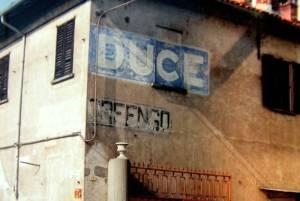 Orfengo (NO) scritta su parete di muro privato.